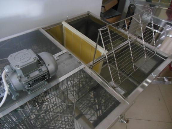 Centrifuga-profesionala-semiautomata-cu-bank-descapacit-6